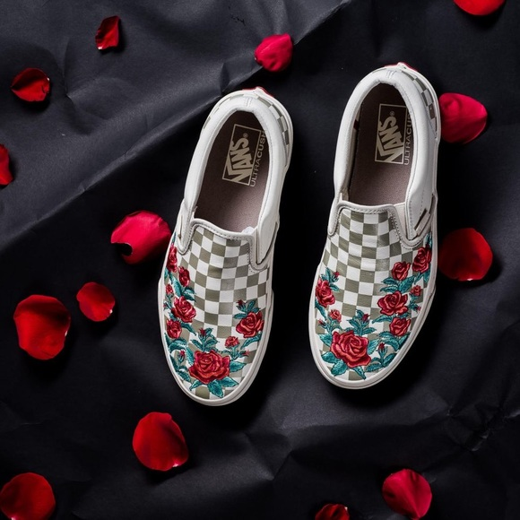 16b416b9199 Brand New Vans Slip On Checkered Rose Embroidery